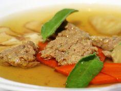 Kakasleves zsájával és májgaluskával Pot Roast, Beef, Ethnic Recipes, Food, Carne Asada, Meat, Roast Beef, Ox, Ground Beef