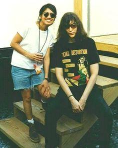 joey mit some chick Joey Ramone, Ramones, Grace Jones, Gabba Gabba, Beastie Boys, Punk Rock, Rock N Roll, Rap, Rockers
