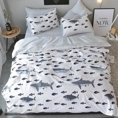 Top fashion fish themed twin size bedding sets in soft color that create a luxurious feminine look. The holiday style fishing themed fish print twin size bedding sets are reversible, so you can instantly change the appearance of your bedroom. Girls Bedroom Sets, Small Room Bedroom, Bedroom Themes, Kids Bedroom, Childrens Bedroom, Bedroom Wall, Bedroom Furniture, Furniture Sets, Bedroom Ideas