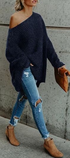 45 Fabulous Spring Outfits To Own ASAP / 14 #Spring #Outfits Oversized Sweater Dress, Blue Sweater Outfit, Long Sweater Outfits, Light Jeans Outfit, Jeans And T Shirt Outfit, Oversized Sweaters, Loose Sweater, Long Sleeve Sweater, Shirt Dress