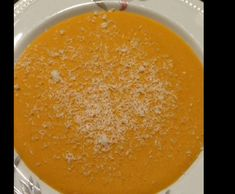 Rote Linsen-Kokos-Karottencrèmesuppe by Tatjana Forissier on www.rezeptwelt.de
