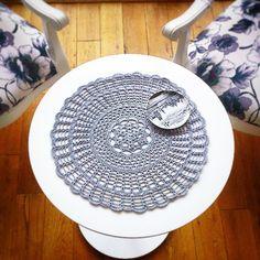 İyi akşamlar... Bu da kendim için. :) #crochetdoily #crochetcoaster #tığişi #tiğişiörtü #amerikanservis #hobilerimlemutluyum #crafty.sopsy.com