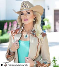 """Miss Rodeo America on Instagram: """"Thank you @lasvegasimagestudio and @makeupbyjudywright for all you do for Miss Rodeo America!  #Repost @makeupbyjudywright with @get_repost…"""" Queen Photos, Queen Pictures, Cow Girl, Sexy Cowgirl, Cowgirl Style, Southern Girls, Country Girls, Gaucho, Rodeo Queen Clothes"""