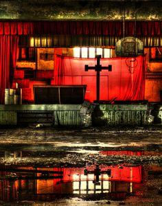 Abandoned Detroit church (by Notkalvin)  (Source: abandonedporn.com)