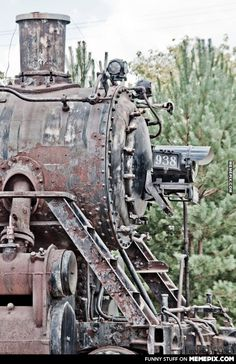 An iron horse, retired. Abandoned Train, Abandoned Cars, Abandoned Places, Steam Tractor, The Great Race, Train Times, Rail Car, Train Pictures, Train Engines