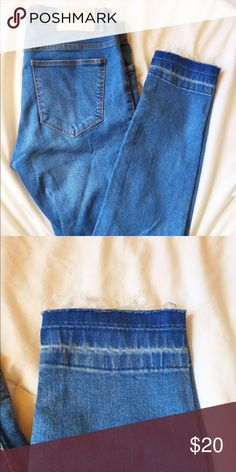 Zara TRF Frayed Hem Skinny Jeans Versatile skinny jeans from Zara in a vibrant denim blue color. Never worn. Best for a size 2. Zara Jeans Skinny