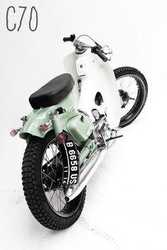 Love my passport, mines in parakeet yellow Moto Custom, Custom Moped, Custom Bikes, Honda Cub, Honda Bikes, Honda Motorcycles, Honda Scooters, Small Motorcycles, Vintage Motorcycles