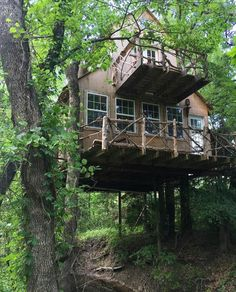I know I want to build a tree house, but this one might be out of my league . . .