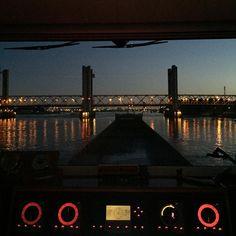 """""""Goedemorgen vanuit Spijkenisse. #mspetraq #binnenvaart #oudemaas #Rotterdam #nlrtm"""""""