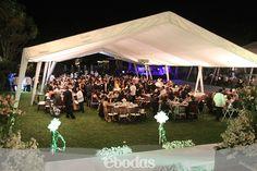 #Inspiration #eBodas Con las bodas al aire libre una carpa es esencial para no preocuparte del clima