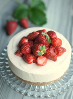 www.confetinreseptit.blogspot.fi Strawberry cheesecake Strawberry Cheesecake, Cakes, Fruit, Food, Cake Makers, Kuchen, Essen, Cake, Meals