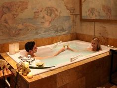 Rectangular bathtub / 2 seater RENDEZVOUS Trautwein. Love this bathtub - big enough for 2 :)