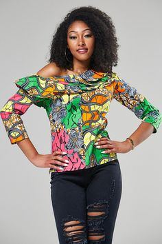 Shake the Fashion Table With These Beautiful Kente Styles - Sisi Couture African Inspired Fashion, African Dresses For Women, African Print Fashion, African Wear, African Attire, Ethnic Fashion, African Women, Fashion Prints, Fashion Styles