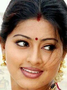 Beautiful Lips, Beautiful Girl Indian, Most Beautiful Indian Actress, Beautiful Actresses, Beauty Full Girl, Beauty Women, Arabian Makeup, Girl Photo Poses, Hot Brunette
