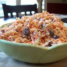 The Recipes of Disney: Coconut Carrot Raisin Salad Boma Carrot Salad Recipes, Vegetarian Recipes, Cooking Recipes, Yummy Recipes, Cooked Carrots, Soup And Salad, Side Dishes, Tasty, Favorite Recipes