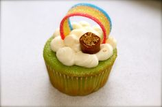 End of the rainbow cupcake!!