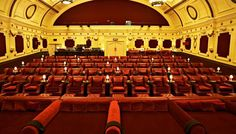 The best unique cinemas in London: cinemas showing independent films, and the best places to watch new movies in London–away from the crowds Movies In London, Cinemas In London, Cinema Chairs, Cinema Seats, Screen On The Green, Cinema Architecture, Game Cafe, New Movies To Watch, London Places