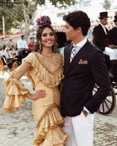 "Alex Sánchez de Mora on Instagram: ""no la hay más guapa 💛"" Flamenco Party, Summer Photos, Fashion Beauty, Ruffle Blouse, Beautiful Women, Character Inspiration, Victoria, Glamour, Costumes"