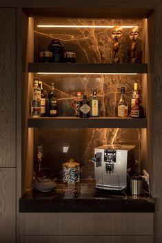 Home Bar Rooms, Diy Home Bar, Home Bar Decor, Bars For Home, Mini Bar At Home, Modern Home Bar Designs, Modern Bar, Modern Kitchen Design, Home Bar Counter