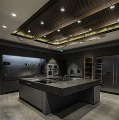 Located in the province of Guangdong on the northern rim of the Pearl River Delta, Guangzhou was chosen as the home for the new showroom due to its size,. Luxury Kitchen Design, Kitchen Room Design, Luxury Kitchens, Kitchen Interior, Modern Mansion Interior, Kitchen Ideas New House, Mansion Kitchen, Kitchen Showroom, Shop Interiors