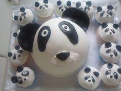 Cabeça do Panda e Cup Cakes.Pão de Ló com creme chocolate.
