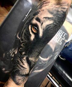 tiger tattoo on sleeve - Tattoo Portal Mens Tiger Tattoo, Tiger Tattoo Design, Maori Tattoo Designs, Best Tattoo Designs, Tiger Forearm Tattoo, Tiger Face Tattoo, Mens Forearm Tattoos, Lion Arm Tattoo, Grey Tattoo