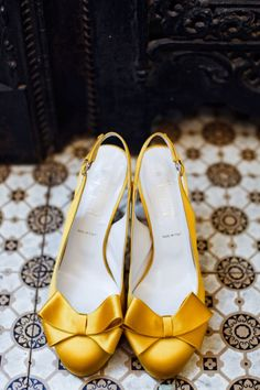 Vintage Yellow Wedding Shoes from BHLDN. #fashion #style #shoes