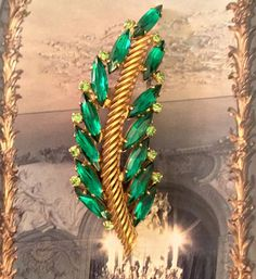 Vintage Pin Brooch Green Leaf Fern Emerald Rhinestone Art Deco Gold Tone