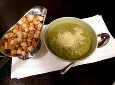 Broccoli cream soup | Jurnalul Unei Cookaholice Cream Of Broccoli Soup, Cream Soup, Delicious Food, Pudding, Vegetables, Ethnic Recipes, Desserts, Tailgate Desserts, Deserts