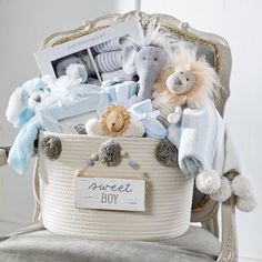 Need baby shower gift ideas? From baby toys to apparel and accessories, you'll find the perfect gift for the baby shower at Mud Pie! Baby Girl Gift Baskets, Baby Gift Hampers, Baby Shower Gift Basket, Baby Hamper, Baby Gift Box, Diy Baby Gifts, Baby Shower Gifts For Boys, Baby Girl Gifts, Diy Gift For Baby Boy