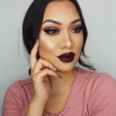 Obsessed with @jackssancheztv's vampy look! 🍁🍂 She's wearing our shimmer powder in Starshine and a little bit of our @auroramakeup x Motives gen sparkles in Citrine 🙌🏽❤️ #MotivesCosmetics #mua #motd #eotd