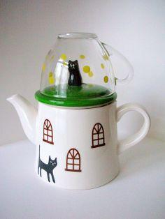 #teapot #tea #cat #polkadots