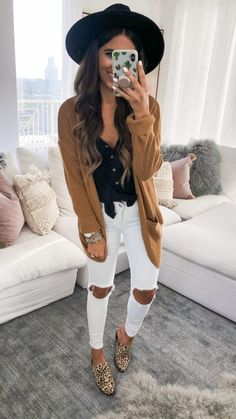 Are Looking for Best Fall Outfits ideas? We have the ultimate guide, with cute fall outfits, casual fall outfits, trending fall outfits, you can and should copy right now! Cute Spring Outfits, Casual Fall Outfits, Fall Winter Outfits, Autumn Winter Fashion, Trendy Outfits, Cool Outfits, Classy Outfits, Fashion Outfits, Warm Outfits
