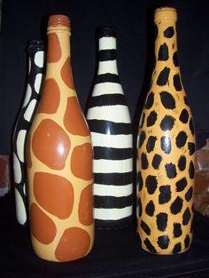 Risultato immagini per how to fabric decoupage wine bottle Liquor Bottle Crafts, Wine Bottle Art, Painted Wine Bottles, Diy Bottle, Glass Bottles, Animal Print Decor, Animal Prints, Wrapped Wine Bottles, Jar Art