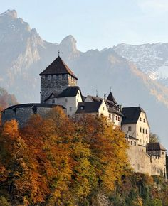 Vaduz Castle with autumn colours, Liechtenstein | by Jürgen aus Rheine