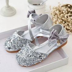 Bling Gold, Silver and Pink Sequin Toddler Girls Kids Dress Shoes. Wedding Princess Shoes for flower girl, Birthday, Pageants, Bridal. Little Girls Dress Shoes, Kids Dress Shoes, Flower Girl Shoes, Baby Girl Shoes, Girls Shoes, Pageant Shoes, Kids Pageant Dresses, Dresses Kids Girl, Stylish Watches For Girls