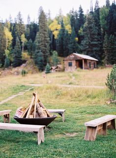 Fire pit. Can I make wooden benches?