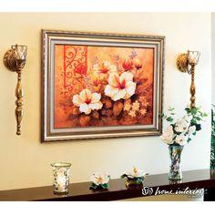 Cuadros De Home Interiors decora la mesa con elementos dorados que le añaden elegancia a tu