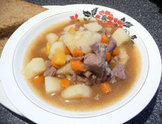 Norwegian Beef Stew (Lapskaus). Photo by Mikekey
