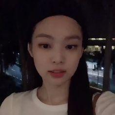 jennie kim icons — like or reblog if you save/use💞 Kim Jennie, Yg Entertainment, K Pop, South Korean Girls, Korean Girl Groups, Rapper, Hotarubi No Mori, Korean Girl Photo, Blackpink Members