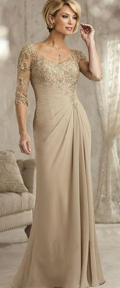 Eelgant 3/4 Sleeves Lace Appliques and Chiffon Long Mother of The Bride Dresses