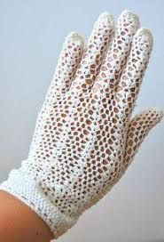 Картинки по запросу ажурные перчатки крючком схемы Dress Gloves, Lace Gloves, White Gloves, Knitted Gloves, Crochet Adult Hat, Crochet Dolls, Crochet Gloves Pattern, Crochet Patterns, Vintage Knitting