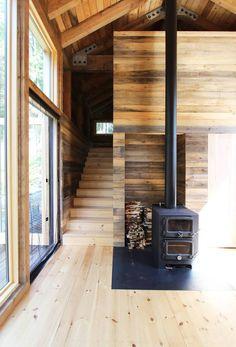 Cabin Design, House Design, Timber Cabin, Little Cottages, Weekend House, Timber Cladding, Solar Panels For Home, Light Building, Best Flooring