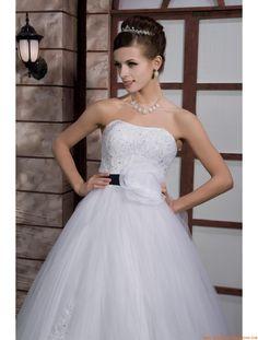 vestidos de novia de tul con fajines negros y flores 2014