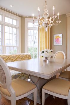 Breakfast nook on this traditional modern home by Lee W. Robinson.