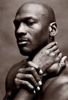 Jordan Ones, Jordan 23, Michael Jordan Art, Dark Skin Men, Human Reference, Out Of Focus, Basketball Legends, Black History, Black Men