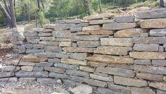 Détail de mur en pierres sèches