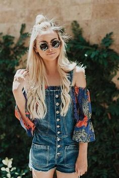 Amanda Stanton wearing Tularosa Alexa Top and Ray-Ban Rb3548 Hexagonal Flat Lenses Sunglasses