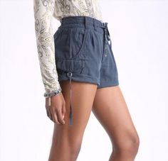 31.94$  Watch here - http://vilun.justgood.pw/vig/item.php?t=0lacqvh58336 - Free People Size 4 Women's Melvin Turned-Up Cuff Cotton Cargo Shorts Navy NWT 31.94$
