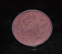 mac's Trax is by far my favorite eyeshadow of all time. the blend of colors are perfection on any skin tone #mac